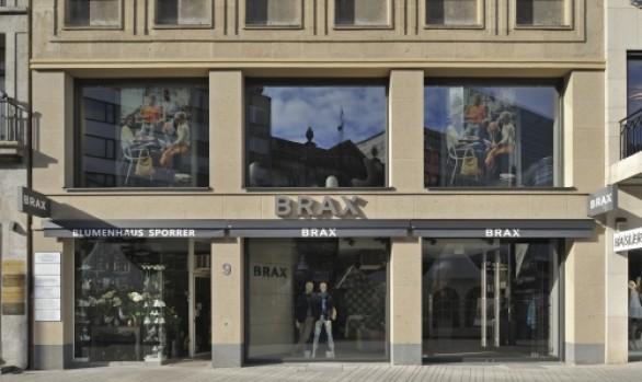 Natursteinfassade | Brax Store Düsseldorf